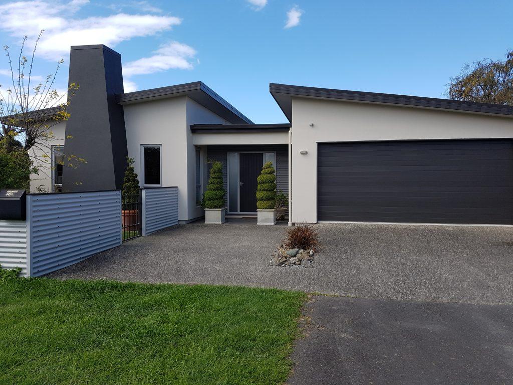 Painting modern homes in Nelson Tasman - Gavin Lambert