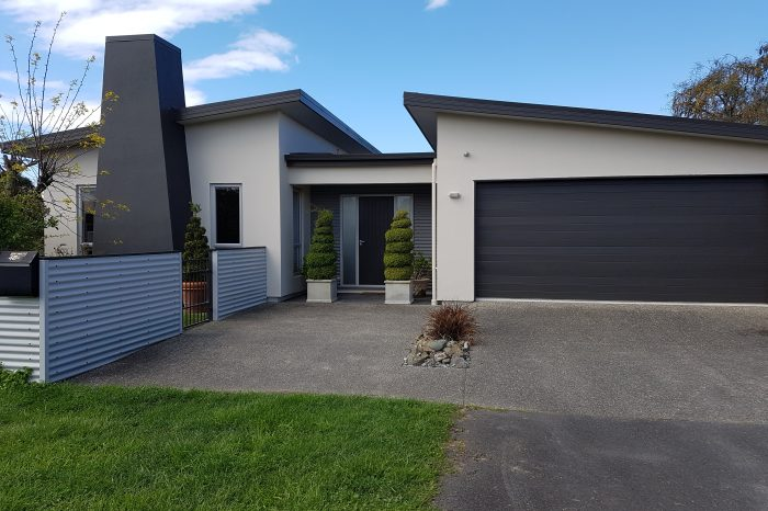 Painting modern homes in Nelson Tasman - Gavin Lambert